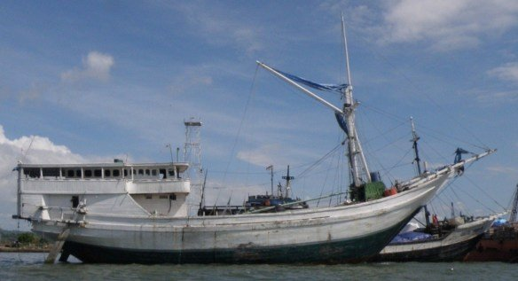 PINISI AND THE ART OF BOATBUILDING IN SULAWESI RECOGNISED BY UNESCO